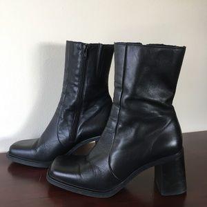 La Canadienne Black Boots 9.5